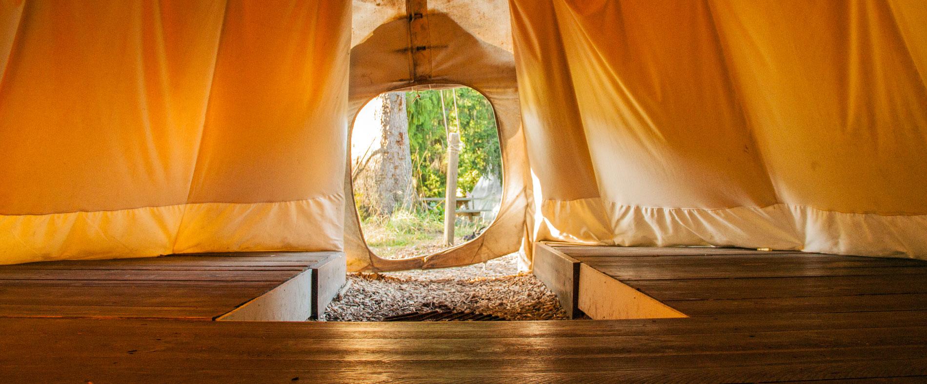 camping-saignelegier_lightbox_tipis2